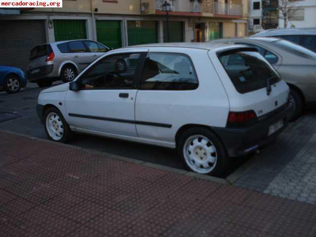 Renault clio ofertas veh culos de calle for Puertas zarautz
