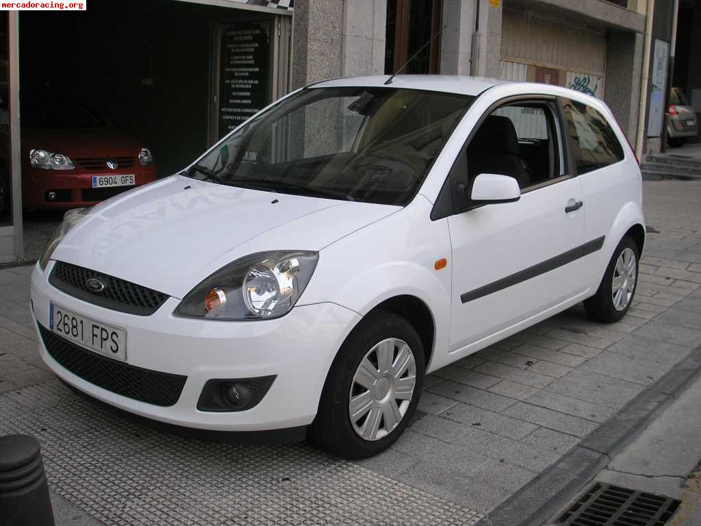 se vende ford fiesta diesel 1 6tdci 90cv 3 puertas. Black Bedroom Furniture Sets. Home Design Ideas