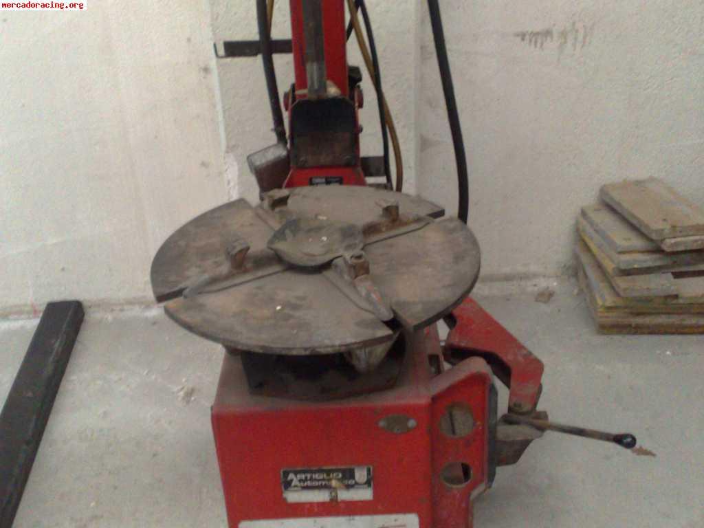 Maquina de desmontar ruedas