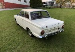 ford-cortina-deluxe-12.jpg